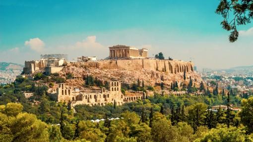 ta-nera-tis-broxis-apeiloun-tin-akropoli.w_hr