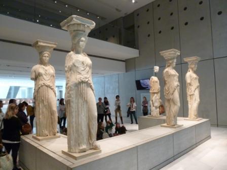 1gelkiatou_mouseio_akropolis_181114_karyatides_794