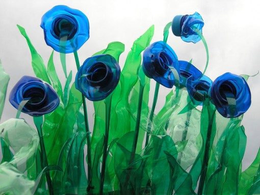 plastic-bottle-sculpture-recycle-art-veronika-richterova-12